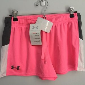 Girl's XL Under Armour Pink Heat Gear Shorts-NWT